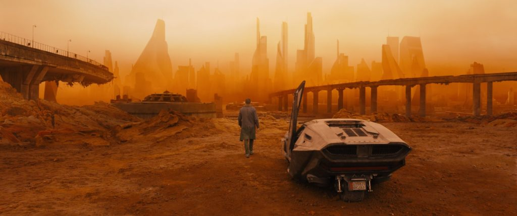 Blade Runner 2049 op DVD en Blu-Ray dystopie