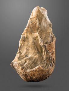 Modern Myths - Het DNA van fantastische verhalen Biface_(trihedral)_Amar_Merdeg,_Mehran,_Ilam,_Lower_Paleolithic,_National_Museum_of_Iran