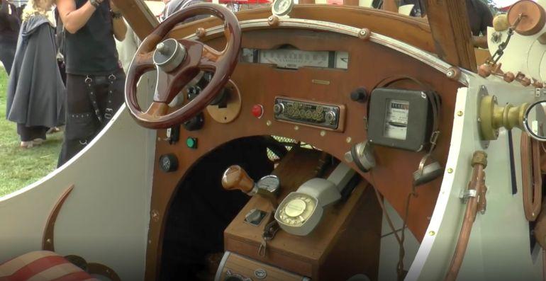 Cock Zandvliet - Steampunk Hotrod dashboard