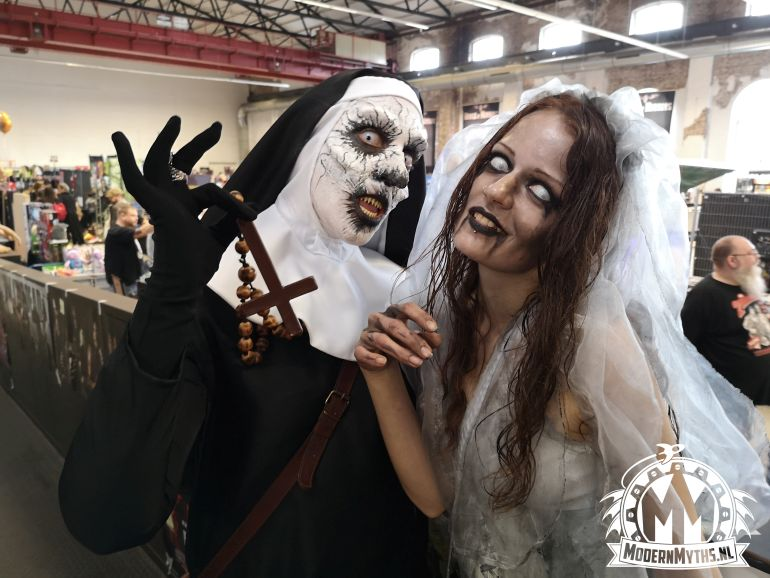 House of Horrors 2019 cosplayers Modern Myths - The Nun en Zombie bruid