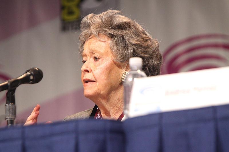 The Conjuring Universe - Lorraine Warren speaking at the 2013 WonderCon at the Anaheim Convention Center in Anaheim, California - Foto Gage Skidmore
