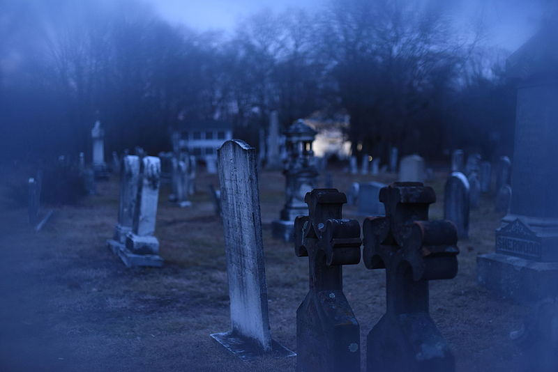 The Conjuring Universe - Union Graveyard in Easton, CT. Home of the legend of the White Lady - Foto Karl Thomas Moore - Creative Commons Attribution-Share Alike 4.0 International