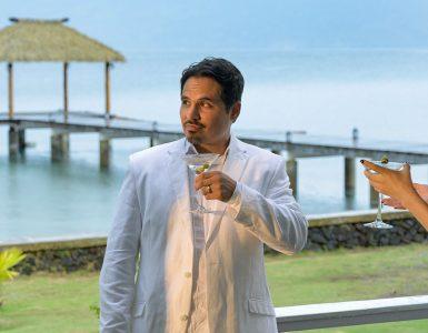 Fantasy Island - Michael Peña uitsnede