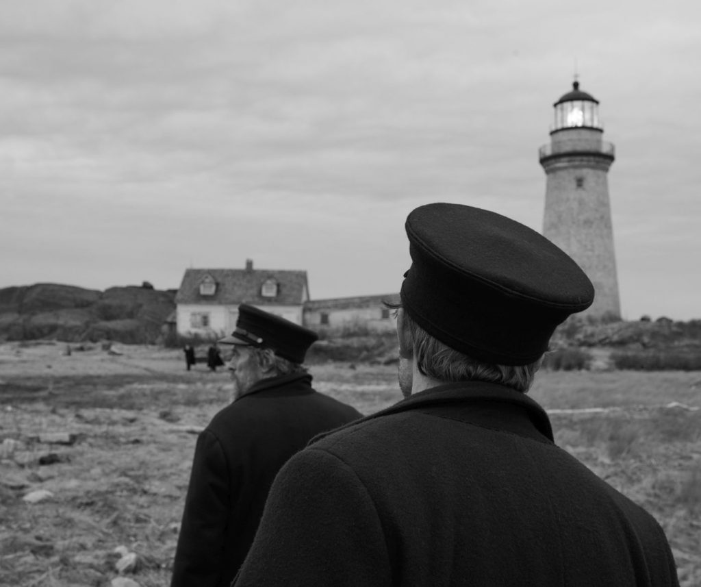 The Lighthouse - De dienst vangt aan