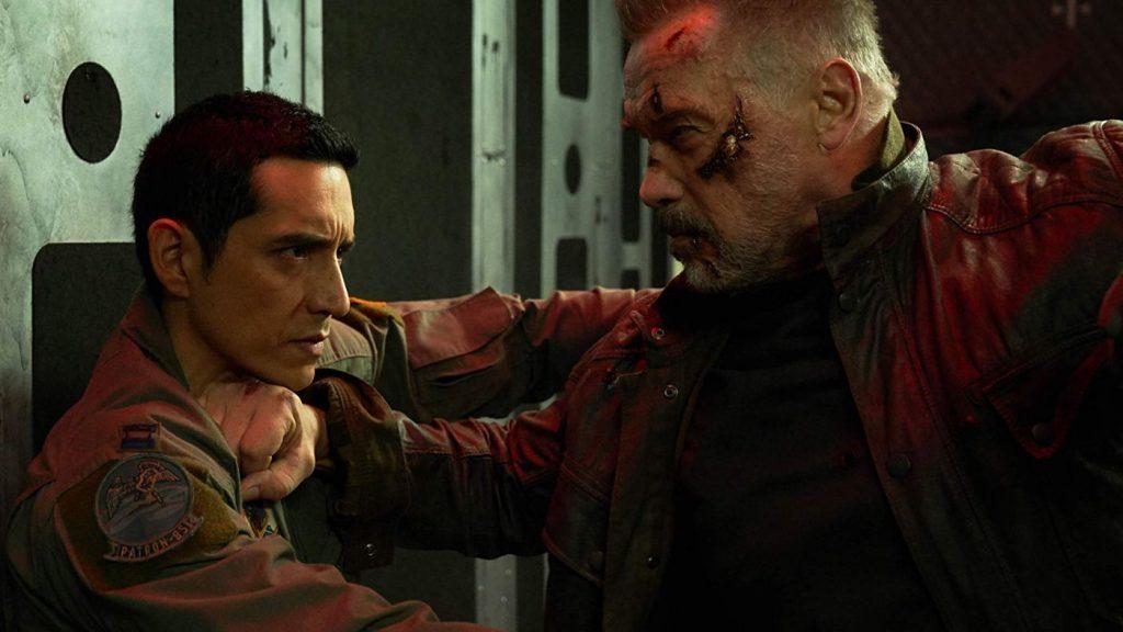 Gabriel Luna en Arnold Schwarzenegger