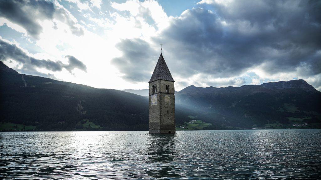 Curon recensie - kerktoren