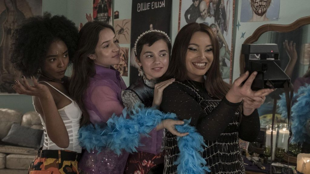 Zoey Luna, Gideon Adlon, Lovie Simone en Cailee Spaeny