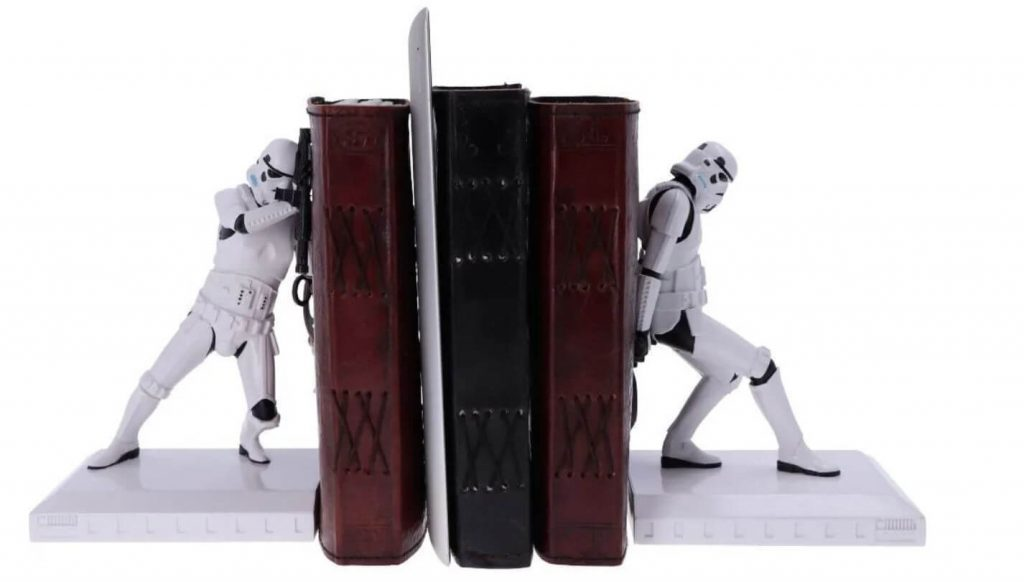 Stormtrooper bookends - Modern Myths Nieuws 2021: Week 4 – 5