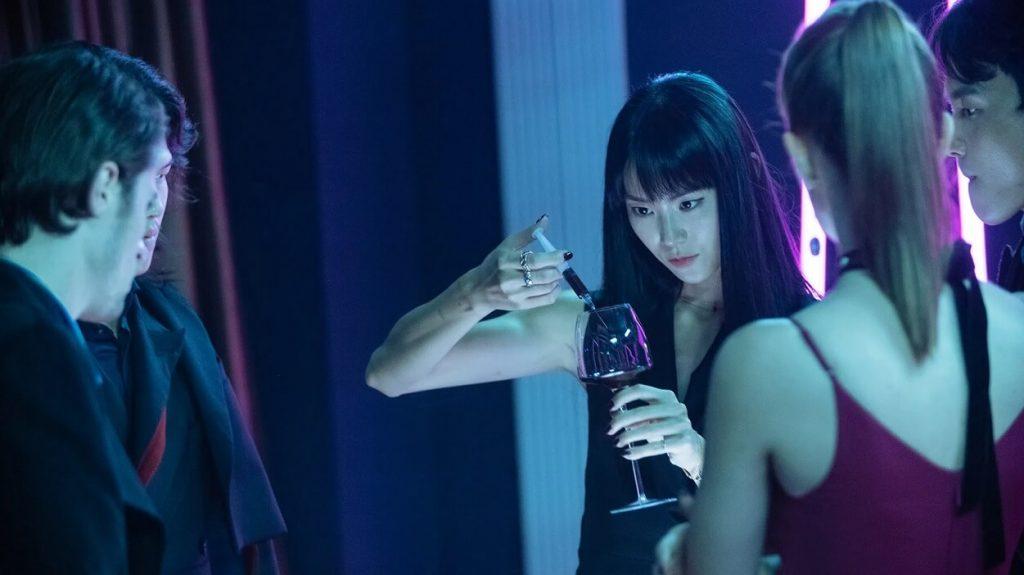 Aviis Zhong als Lulu
