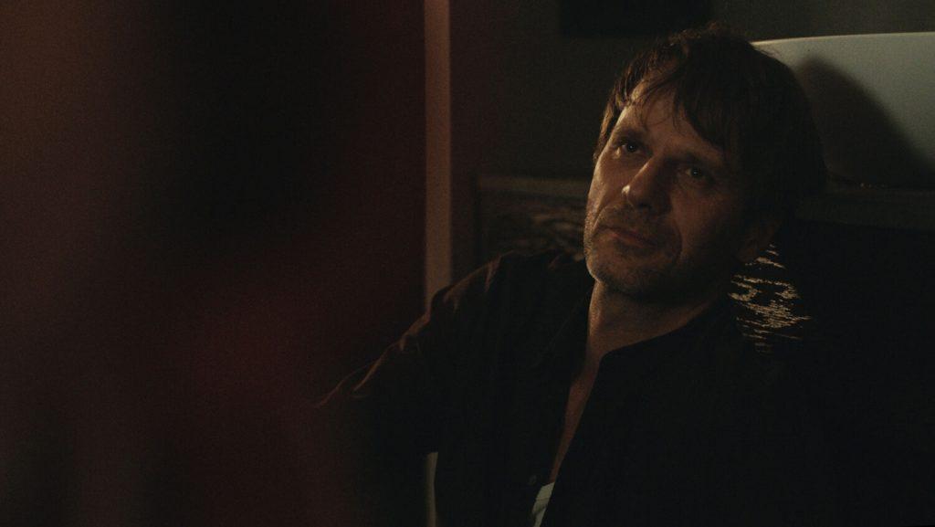 Dominik Warta als Georg