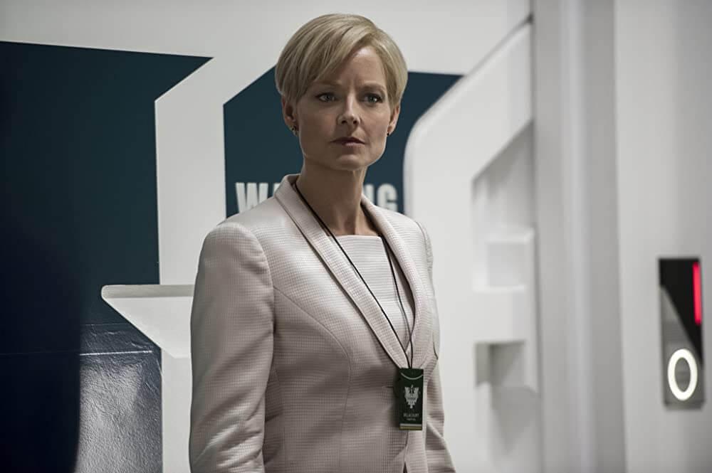 Jodie Foster als Delacourt