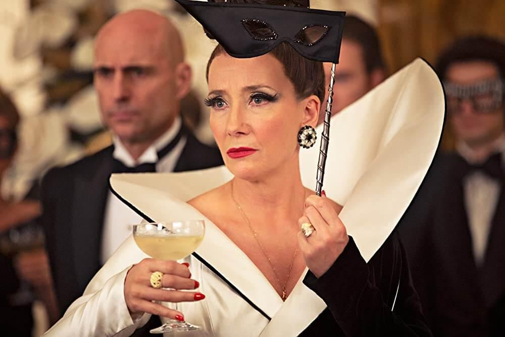Emma Thompson als The Baroness