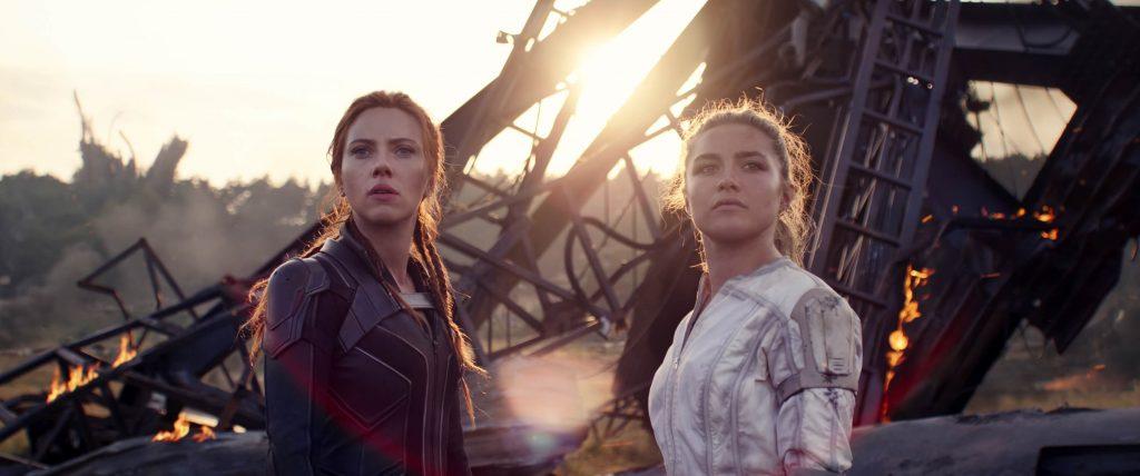 Scarlett Johansson als Black Widow en Florence Pugh als Yelena Belova