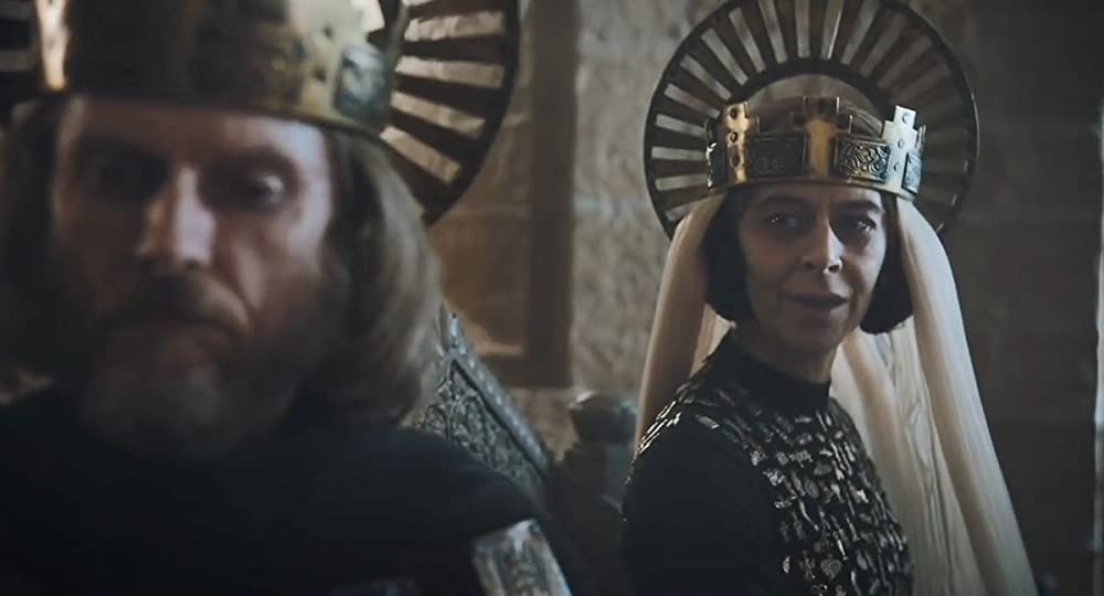 Sean Harris als Koning Arthur en Kate Dickie als Guinevere