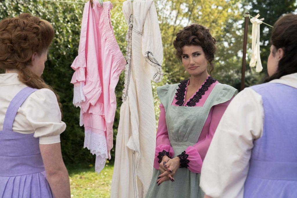 Idina Menzel als stiefmoeder in Assepoester - Cinderella
